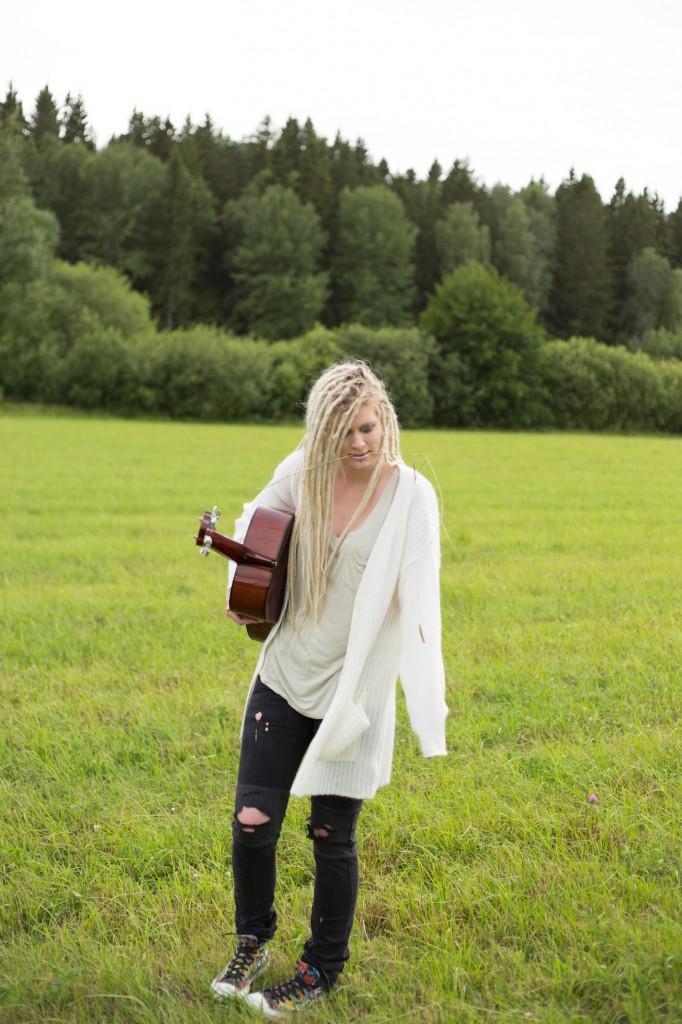 The Swedish singer/songwriter Blue I